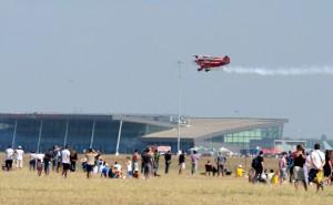 Демонстративен полет с висш пилотаж на самолет PIts.